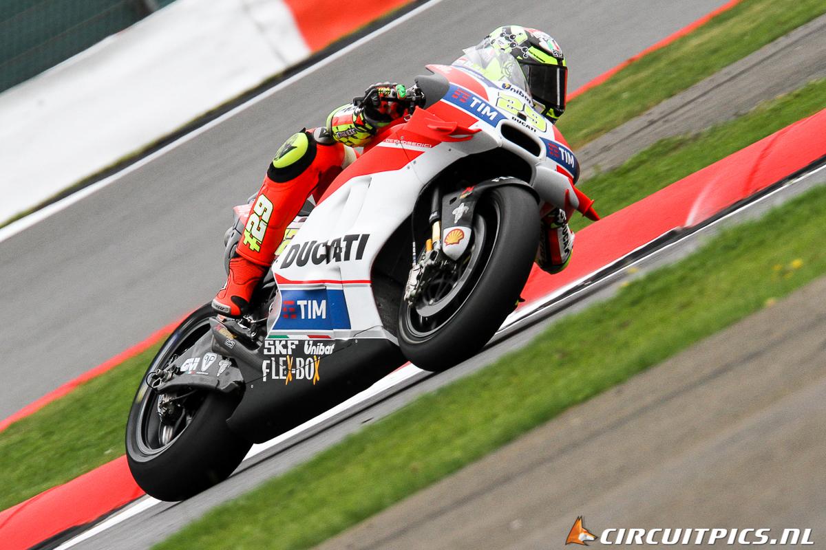 Andrea Iannone - MotoGP - Silverstone 2016